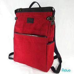 Oi Sexta-feira sua linda! E com ela vem essa mochila vermelha de lona e couro…