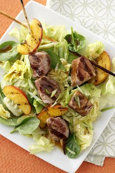 If you're looking to switch things up for lunch, you HAVE to try this grilled pork and peach salad.