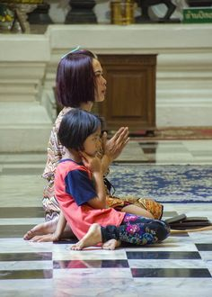 Learn to pray . Thailand