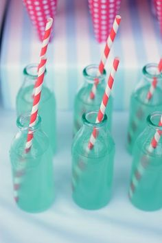 Lovely composition of Striped Straws and aqua bottles. Makes for a gorgeous wedding drink Tiffany And Co, Tiffany Blue, Red Green, Red And Blue, Green Glass Bottles, Mini Bottles, Red Turquoise, Turquoise Party, Teal