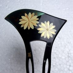 Vintage Japanese kanzashi comb