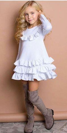 Little Girl Fashion Frocks For Girls, Kids Frocks, Little Girl Outfits, Little Girl Dresses, Kids Outfits, Girls Dresses, Pageant Dresses, Young Girl Fashion, Little Girl Fashion