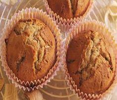 Hacía tiempo que no traíamos una receta de Muffins y en esta ocasión viene mezclada con otro postre popular. Se trata de la tarta de manzana, que la caracteriza la compota que tenemos que hacer para ponerla en el hojaldre. Vamos a hacer esa compota pero para que sea el relleno de nuestro Muffins, consiguiendo este rico y original postre. ¡Con estas medidas tendrás para 6 deliciosos muffins de tarta de manzana!