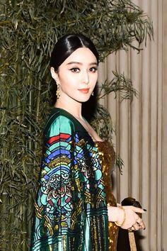 Actress Fan Bing Bing has Beautiful Straight Brow Hairs