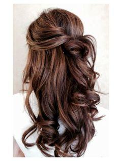 #coiffure : Demi queue ondulée