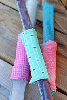 Free Patterns and Projects to Sew for Kids | Sew for the kiddos in your life with all of these amazing free sewing patterns and tutorials. Easy Sewing Projects, Sewing Projects For Beginners, Sewing Hacks, Sewing Tutorials, Sewing Tips, Diy Projects, Sewing Ideas, Sewing Lessons, Sewing Class