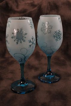 Blue Teal Snowflake Frosted Etched White Wine by DeeLuxDesigns