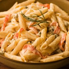 Recipe of the Day!> Penne with Smoked Salmon & Cream Cheese Sauce> It tastes great, and the sauce makes itself! Recipe of the Day!> Penne with Smoked Salmon & Cream Cheese Sauce> It tastes great, and the sauce makes itself! Smoked Salmon Cream Cheese, Cream Cheese Pasta, Smoked Salmon Recipes, Pasta With Smoked Salmon, Goat Cheese, Smoked Salmon Pizza, Healthy Recipes, Fish Recipes, Seafood Recipes
