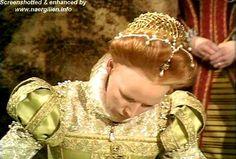 Elizabethan pearl caul on Glenda Jackson in 'Elizabeth R'