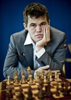 No hay acontecimiento histórico que no se pueda expresar como jugada de ajedrez. Desde la Revolución Francesa o las batallas napoleónicas hasta la...