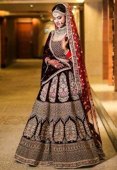 c63a9aff76 Mariée Indienne, Mariages Indiens, Sari Lehenga, Lehenga De Mariée, Costume  De Mariage