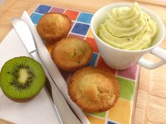 Kiwi Cakes with Kiwi Cream