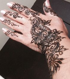 Freehand henna another angle