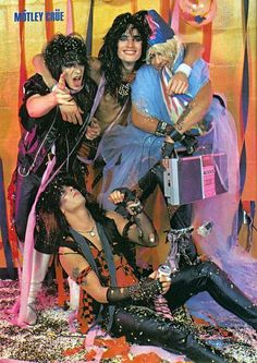 motley crue-- best band ever Nikki Sixx, 80 Bands, 80s Hair Bands, Girls Girls Girls, Glam Metal, Tommy Lee, Glam Rock, Great Bands, Cool Bands