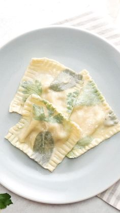 "Give your pasta an additional kick of color and flavor by ""laminating"" herbs like parsley and sage into the pasta. Give your pasta an additional kick of color and flavor by ""laminating"" herbs like parsley and sage into the pasta. Pasta Recipes, Cooking Recipes, Fruit Recipes, Healthy Recipes, Pasta Casera, Butternut Squash Ravioli, Fresh Pasta, Dough Recipe, Pasta Dishes"