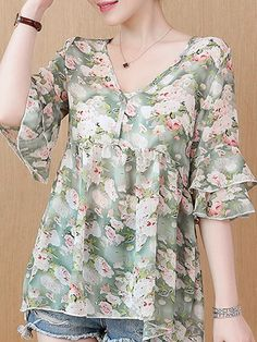 V Neck Floral Printed Blouses Blouse Styles, Blouse Designs, Cheap Womens Tops, Chiffon Maxi Dress, Cute Summer Outfits, Trendy Tops, Printed Blouse, Floral Blouse, Buy Dress
