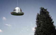 + - Um astrônomo na cidade de Lebanon, estado de Oregon – EUA, reportou um avistamento de OVNI que voou por sua propriedade. O misterioso objeto teria voado passando pela testemunha à uma velocidade incrível, a pouco mais de um metro de altura e paralelo ao solo. Ao passar, diz a testemunha, ele teria emitido …