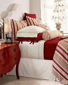 This is a Bedroom Interior Design Ideas. House is a private bedroom and is usually hidden from our guests. Much of our bedroom … Pottery Barn Christmas, Cozy Christmas, Christmas Colors, Beautiful Christmas, Christmas Things, White Christmas, Christmas Holidays, Christmas Decorations, Home Bedroom