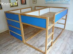 Afbeeldingsresultaat voor two ikea kura beds Ikea Hack Kids Bedroom, Ikea Bed Hack, Kura Ikea, Ikea Bunk Bed, Bunk Beds, Ikea Custom, Shared Bedrooms, Ikea Storage, Kid Beds