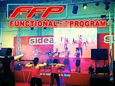 Functional Fit Program  contatta il team per allenamenti personalizzati, classi di gruppo, Formazioni.