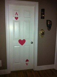 Easy door decor for an alice in wonderland birthday house party card door Game Night Decorations, Casino Party Decorations, Casino Theme Parties, Casino Party Games, Party Themes, Casino Night Party, Halloween Decorations, Casino Royale Theme, Las Vegas Party