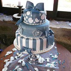 Super cute...Denim and Diamonds - Cake