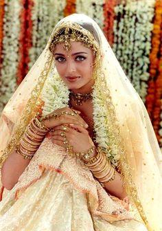 Vintage Aishwarya Rai.