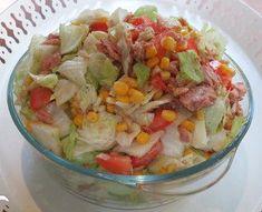 Unser Ruck-Zuck-Sommersalat ist ein Eisbergsalat mit Mais, Thunfisch und Tomaten