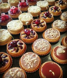 Good Food, Yummy Food, Candy S, Mini Pies, Cake Cookies, Cupcakes, Coffee Cafe, High Tea, Tart