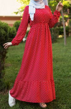 Woven dress with dots – red - Dress Abaya Fashion, Muslim Fashion, Red Fashion, Islamic Fashion, Fashion Dresses, Casual Dress Outfits, Summer Dress Outfits, Casual Summer Dresses, Dress Summer