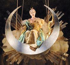 "American mezzo Jennifer Holloway as Diane in Rameau's ""Hippolyte et Aricie"" from Opera Chic"