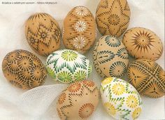 Eastern Eggs, Polish Easter, Easter Egg Pattern, Egg Tree, Mandala Rocks, Faberge Eggs, Emu, Egg Decorating, Holidays And Events
