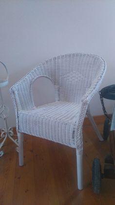 Stühle - Korbstuhl Shabby Weiß Armlehnstuhl - ein Designerstück von Die-Ideenschmiede bei DaWanda