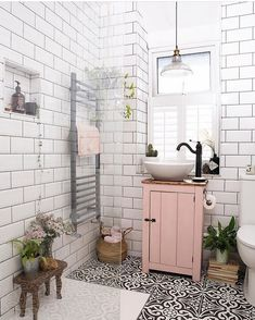 home design ideas 22 pretty pink room design ideas Bathroom Inspiration, Home Decor Inspiration, Bathroom Inspo, Small Bathroom Ideas, Simple Bathroom, Bathroom Colours, Small Bathrooms, Small Bathroom Decorating, Home Decor Ideas