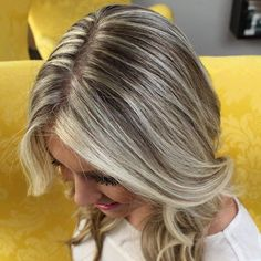 45 Shades of Grey: Silver and White Highlights for Eternal Youth Platinum Blonde Lowlights Blonde Lowlights, Brown Hair With Blonde Highlights, Dark Hair With Highlights, Brown Blonde Hair, Silver Highlights, Grey Hair, Chunky Highlights, Dark Brunette, Caramel Highlights