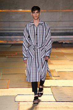 Cerruti 1881 Paris Spring 2015 Menswear Collection Slideshow on Style.com Love the runway floor!