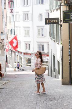 MIXING PATTERNS Pattern Mixing, Petite Fashion, Sequin Skirt, Zurich, Switzerland, Sequined Skirt