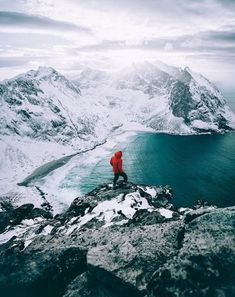 Windy at the top of Ryten ! Definetly worth it. Beautiful World, Beautiful Places, Cool Wallpaper, Mount Everest, Nature, Art Photography, Scenery, Ocean, Explore