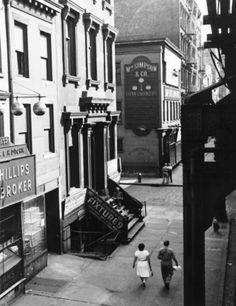 On the Bowery New York 1946 Photo: Todd Webb