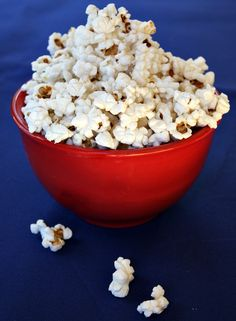 Step by step photographs and method for how to pop popcorn on the stove. Recipe included.