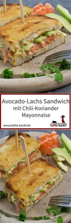 Ein Sandwich mit feinsten Zutaten ist dieses Avocado-Lachs Sandwich mit Chili-Koriander Mayonnaise. Das Rezept gibt es auf katha-kocht!