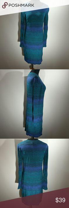 Trina Turk Blue Long-Sleeve Shift Dr Size 6 This dress is gorgeous Trina Turk Dresses Midi