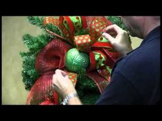 How To Decorate a Teardrop Wreath for Christmas - Trees n Trends - Uniqu...