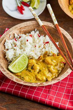 Thai garnélás curry | Street Kitchen Curry, Chili, Ethnic Recipes, Street, Kitchen, Food, Cilantro, Curries, Cooking