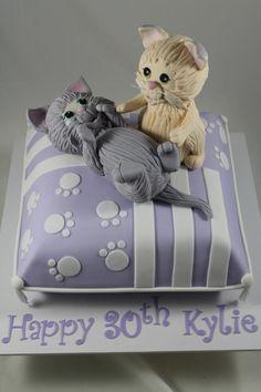 Kittens on a cushion - Cake by Kake Krumbs
