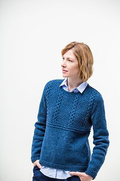 A classic seaman's gansey adapted with feminine shaping adds tomboy charm to any wardrobe. Alvy features coin cables on a ground of double moss stitch, kni . Sweater Knitting Patterns, Knitting Designs, Knitting Projects, Brooklyn Tweed, Moss Stitch, How To Purl Knit, Pullover, Knitting For Beginners, Celtic