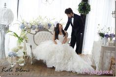 Eugene & Ki Tae Young reveal their wedding photos Wedding Photoshoot, Wedding Shoot, Wedding Dresses, Ki Tae Young, Korean Celebrity Couples, Wgm Couples, Korean Photoshoot, Wedding Design Inspiration, Young Wedding