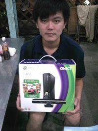 XBOX360 4G主機+Kinect+3款遊戲,得標價格1658元,最後贏家嘉小賀:真的標到了,太爽了。 謝謝各位承讓,謝謝快標網