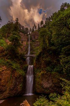 Multnomah Falls - Crater Lake National Park - Columbia River Gorge - Oregon - USA