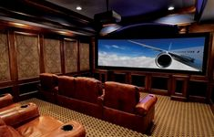 The good home theater design is a room that can be enjoyed comfortably while hanging out with family and friends. Here are some explanations about the Home Theater Room Design Ideas that can inspire you to design your Home Theatre room. Home Design, Home Theater Room Design, Home Cinema Room, Home Theater Setup, Best Home Theater, At Home Movie Theater, Home Theater Speakers, Home Theater Rooms, Home Theater Seating